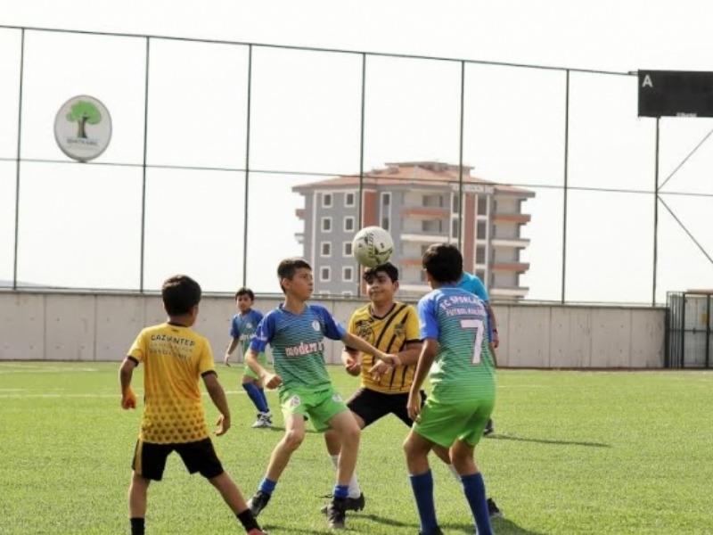 Şehitkamil Belediyesi'nden 15 Temmuz futbol turnuvası