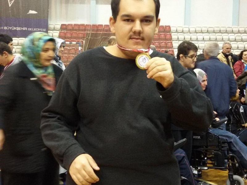 Kerim Küçük Amatör Sahada İzmir temsilcisi